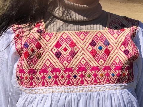 マヤンブラス サンアドレスララインサール村 手織り 白×ピンク