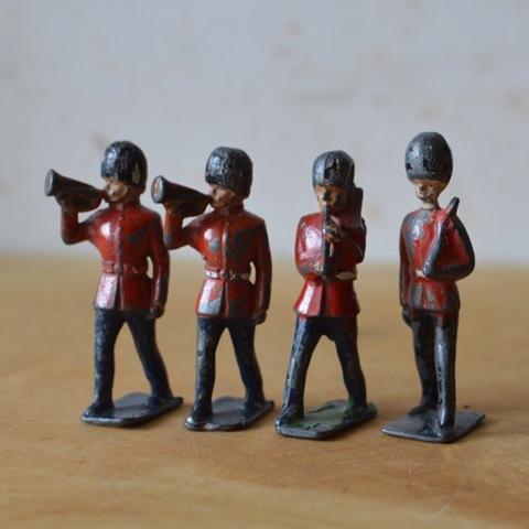鉛の兵隊(A.B.C.D)
