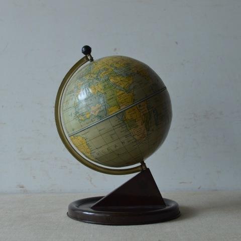 チャドバレーの地球儀