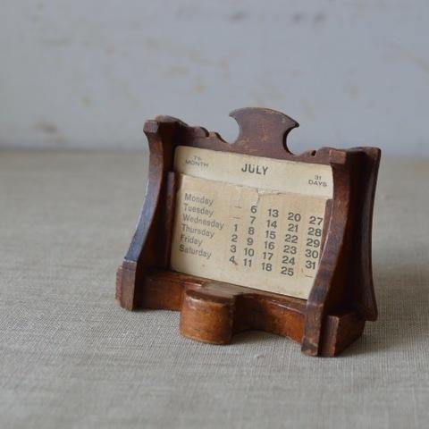 木製のちいさなカレンダー