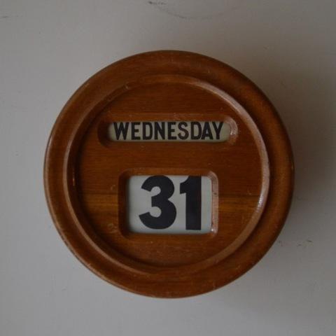 木製壁掛けカレンダー