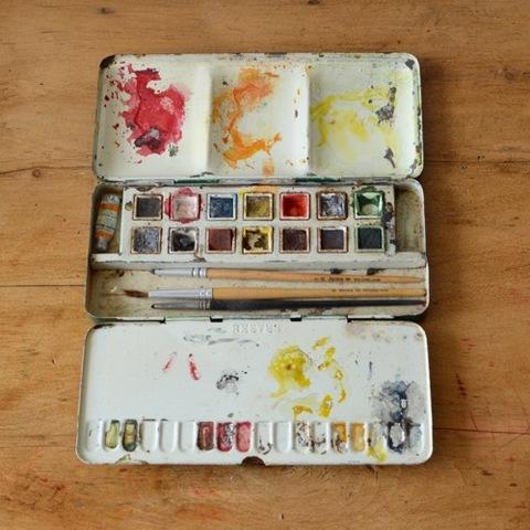 水彩絵の具のパレット「REEVES」