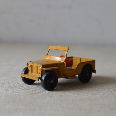 ローンスター製のジープ