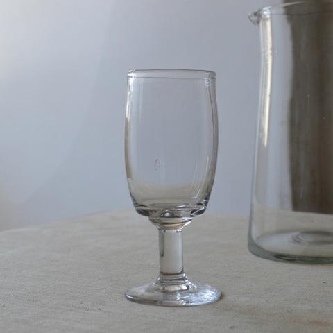 吹きガラスの古いグラス