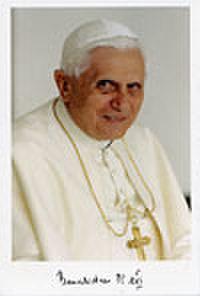 ご絵「名誉教皇ベネディクト16世...
