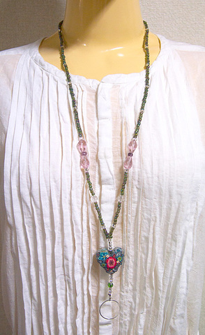 【Green and Pink Beads and Heart Necklace】グリーンとピンクビーズ&ハートネックレス ホルダーリング付