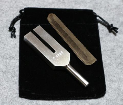 クリスタル・チューナー(日本製)レーザー水晶ポイント付