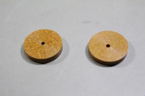 18φ  #6000  リューター、ルーター、研磨用レジン焼結ダイヤモンド砥石(湿式用) 外形18mmタイプ #6000. 2個 外形18mm 厚み3mm 穴経1.7mm