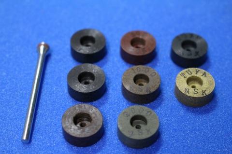 15φ  6mm幅 #60 -艶白 リューター、ルーター、研磨用レジン焼結ダイヤモンド砥石(湿式用) 8個セット 穴径1.8ミリ  マンドレル1本付き(3mm軸)