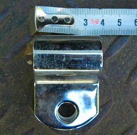 内径 19ミリ P型 クランプ イモネジ付き