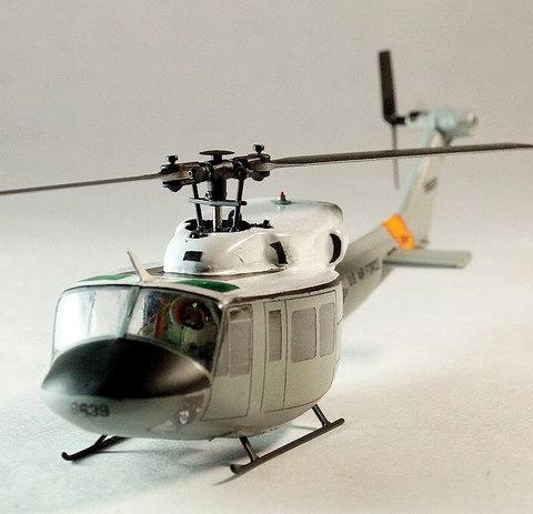 【生産終了】UH-1 横田基地バージョン塗装済み完成品