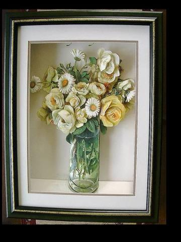 R68 クリーム色のバラとマーガレット シャドーボックス