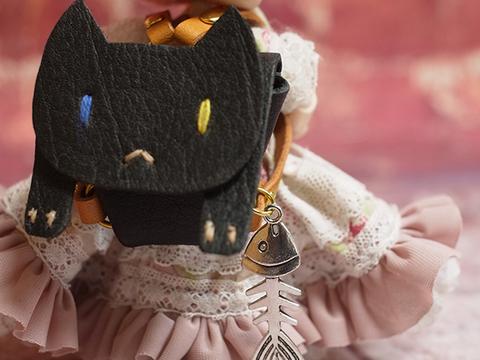 オビツ11 本革製ネコのリュック(オッドアイ・黒) 1/12ドール用品6.5