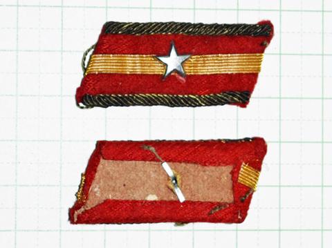 陸軍襟章 98式少尉
