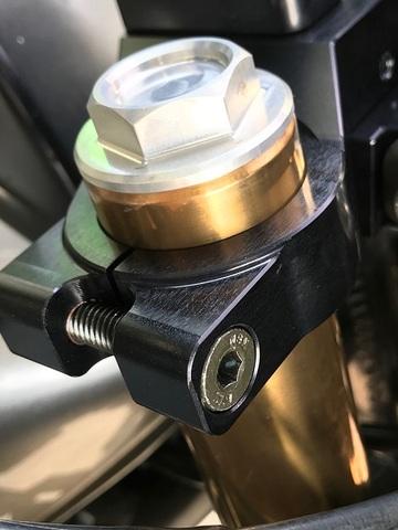 GPz750/1100/ターボ用インナーチューブキャップボルト