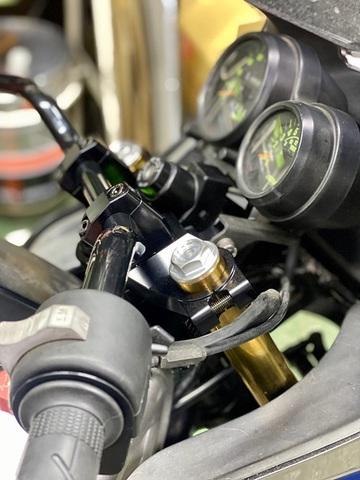 GPz750/ターボ用パイプハンドルトップブリッジ