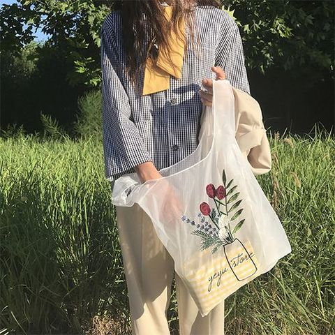 お花刺繍のオーガンジーマルシェバッグ