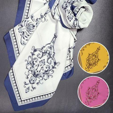 ダマスク柄のスカーフ