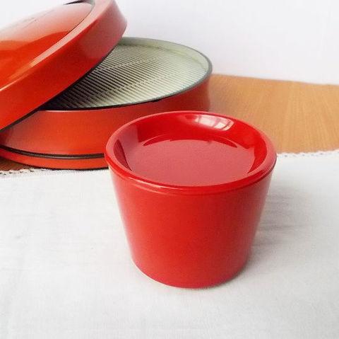 レトロで可愛い赤蕎麦猪口薬味皿付き/プラスチック/樹脂製