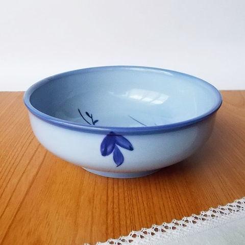 フチルリ水色玉渕梅花模様多用鉢