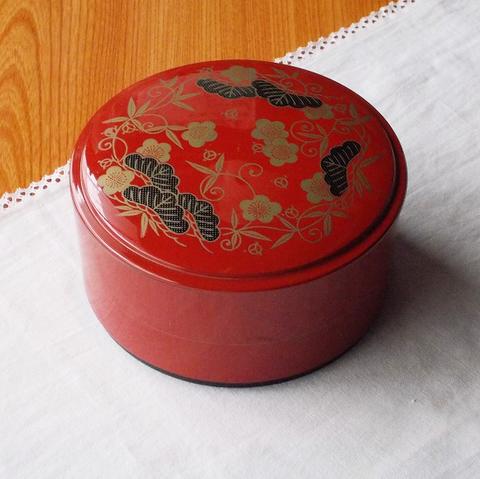 散らし寿司に♪赤漆器松竹梅丸型一人前用多用飯びつ