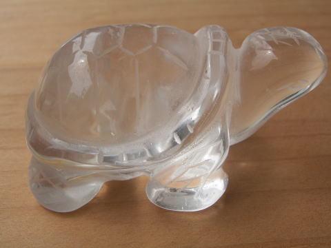 (寄付990)天然水晶の彫刻亀