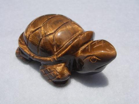 (寄付144円)虎目石の彫刻亀