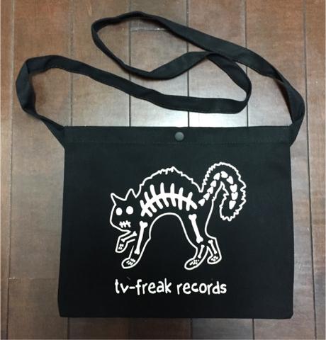 TV-FREAK サコッシュ 骨猫